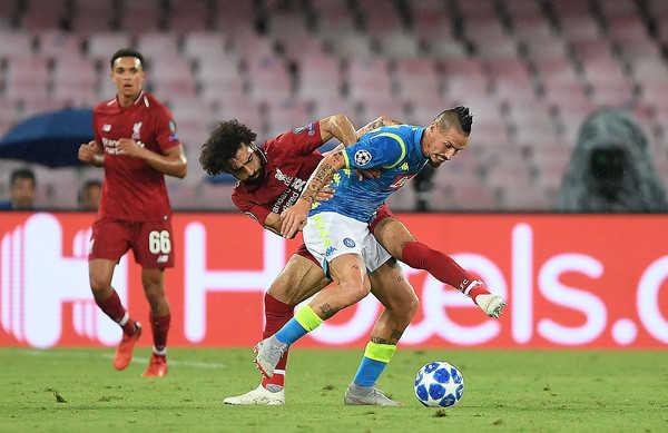 53c478ba39 ONLINE z kľúčového šlágra Ligy majstrov  Liverpool FC - SSC Neapol ...